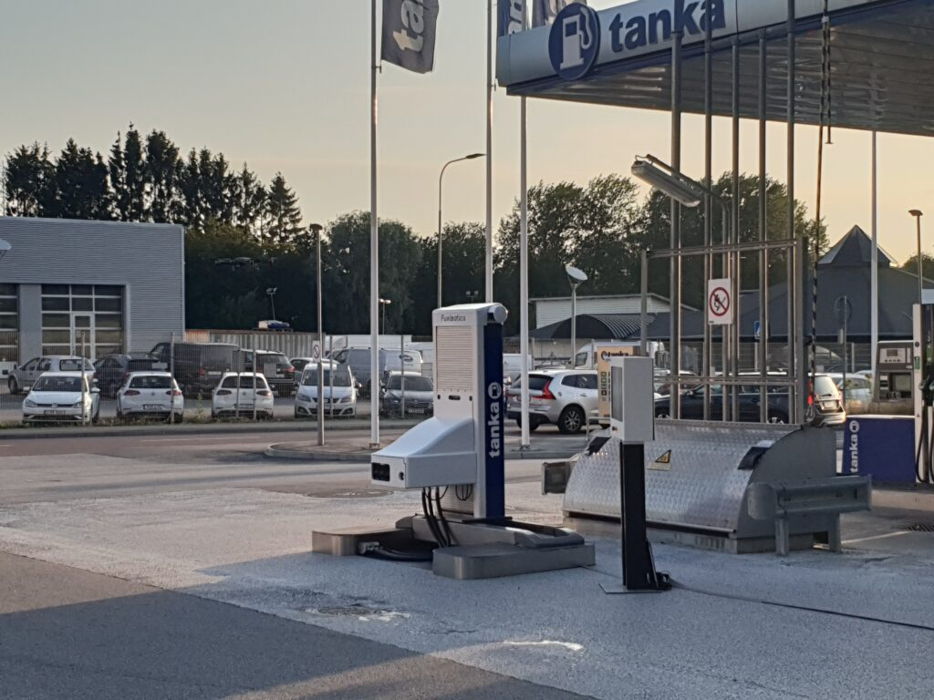 Robotic Gas Station